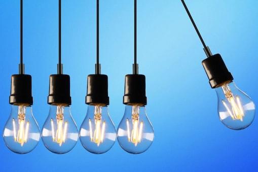 UP Election 2022: 'आप' की मुफ्त बिजली के वादे पर चढ़ा सियासी पारा (File photo)
