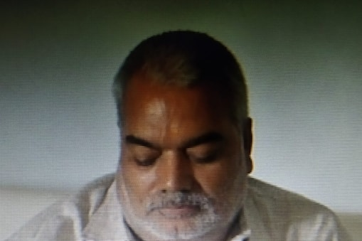 UP: मनीष गुप्ता मौत मामले में गोरखपुर के कृष्णा पैलेस होटल मालिक ने घटना की रात की पूरी कहानी बयान की है.