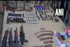 घुसपैठ कर रहे 3 आतंकियों को सेना ने किया ढेर, देखें हथियारों का जखीरा