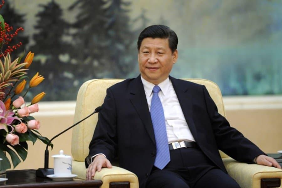 मीडिया रिपोर्ट के मुताबिक चीनी राष्ट्रपति शी जिनपिंग (Xi Jinping) ने पिछले 600 दिनों से एक बार भी विदेश यात्रा नहीं किया है. आखिरी बार वह 18 जनवरी, 2020 को म्यांमार के दौरे पर गए थे. इसके बाद से वह देश से बाहर नहीं गए. हालांकि, हाल ही में जिनपिंग तिब्बत पहुंचे थे, जो किसी चीनी राष्ट्रपति का पहला तिब्बत दौरा था. चूंकि चीन तिब्बत पर अपना दावा करता रहा है, लिहाजा इसे विदेश दौरा नहीं कहा जा सकता.