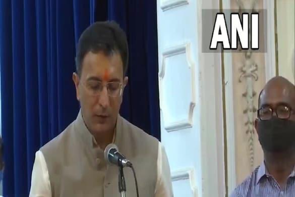 यूपीए सरकार में मंत्री रहे जितिन प्रसाद, पलटू राम समेत सात ने मंत्री पद की शपथ ली है.