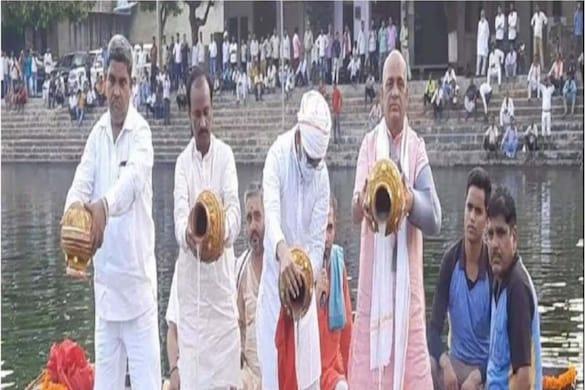 कासगंज पहुंचीं कल्याण सिंह की अस्थियां, विसर्जन के साथ जय श्रीराम से गूंजा हरिपदी गंगाघाट