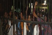 ललितपुर:प्रदर्शनकारी छात्रों ने SDM को बनाया बंधक, लाठीचार्ज,कई हिरासत में