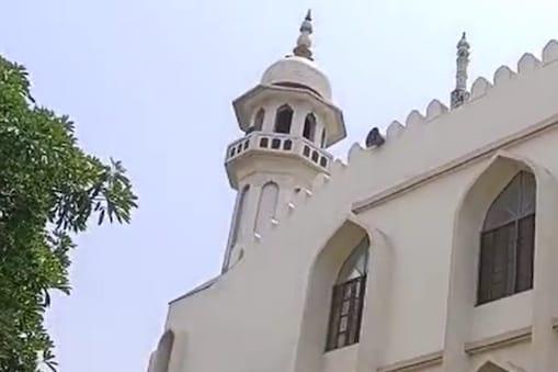 इसी मस्जिद में हुई वारदात.