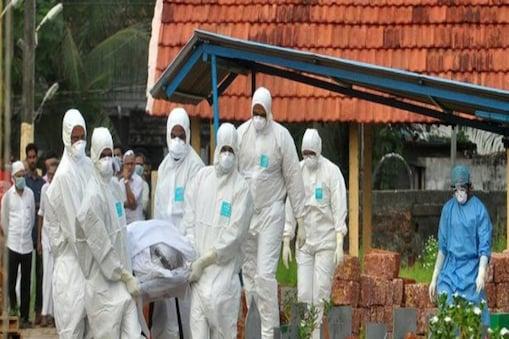 WHO की रिपोर्ट्स के मुताबिक़, इस महामारी से बच पाना इंसान के लिए नामुमकिन है (इमेज- इंटरनेट)