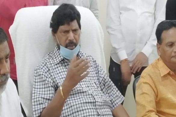 रामदास आठवले ने कहा कि विधानसभा चुनाव 2022 में उनकी पार्टी भाजपा के साथ मिलकर चुनाव लड़ेगी.