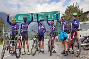 Manali To Chamba: जिस दर्रे को पैदल पार करना भी मुश्किल, उसे साइकिल से लांघा