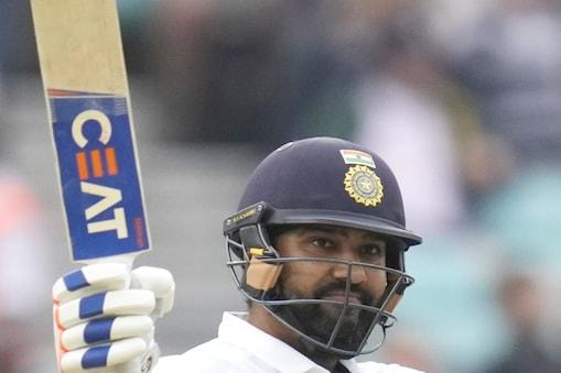 ओपनर रोहित शर्मा ने छक्का लगाते हुए विदेशी सरजमीं पर अपना पहला टेस्ट शतक पूरा किया. (AP)
