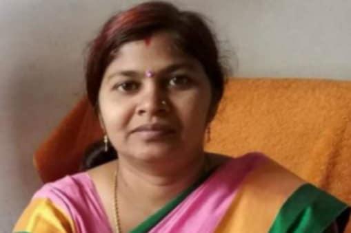 Yogi Cabinet Expansion: करंडा ब्लाक के बड़सरा गांव निवासी पोस्टमैन रामसूरत की बेटी विधायक डॉ. संगीता बलवंत का जीवन संघर्षपूर्ण रहा है.