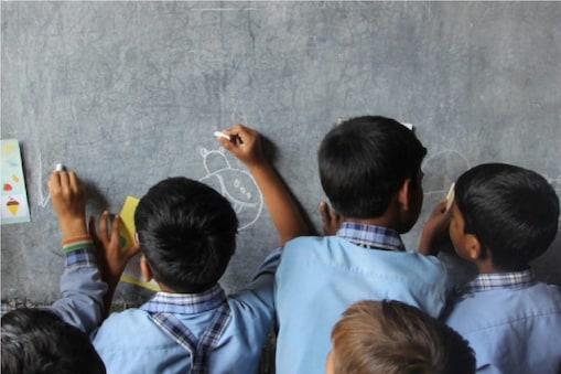 उत्तराखंड में आज से शुरू होंगी प्राथमिक कक्षाएं.