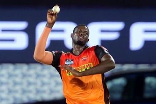 सनराइजर्स हैदराबाद के लिए जेसन होल्डर ने पंजाब के 3 विकेट झटके. (Instagram/JasonHolder)