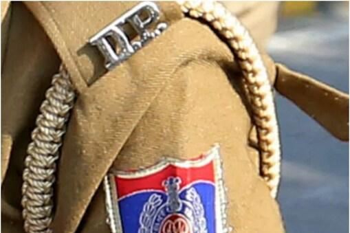 दिल्ली पुलिस ने मामला दर्ज जांच शुरू कर दी है.