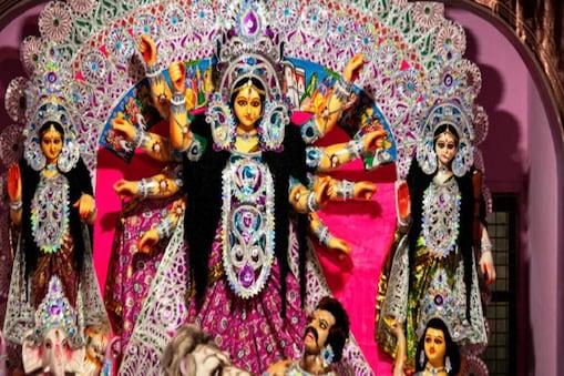 सभी पूजा पंडालों और मंदिरों में मां दुर्गा के पट मंगलवार को खोल दिए जाएंगे