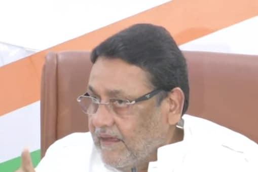 राष्ट्रवादी कांग्रेस पार्टी के राष्ट्रीय प्रवक्ता नवाब मलिक ने एक बार फिर एनसीबी पर उठाए सवाल.  (फाइल फोटो)