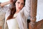 Salman khan की एक्ट्रेस Pragya Jaiswal ने बोल्ड लुक में ढाया कहर, देखिए Photos