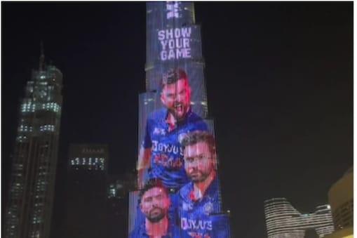 T20 World Cup 2021 के लिए लॉन्च हुई टीम इंडिया की नई जर्सी दुबई के 'बुर्ज खलीफा' पर नजर आई. (PC-MPL Sports Instagram)