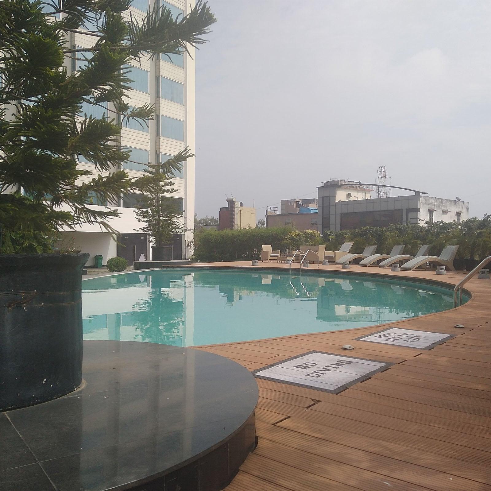 होटल के आधुनिक जिम में ट्रेडमिल समेत तमाम अत्याधुनिक मशीनें टीम इंडिया के खिलाड़ियों का इंतजार कर रही हैं.