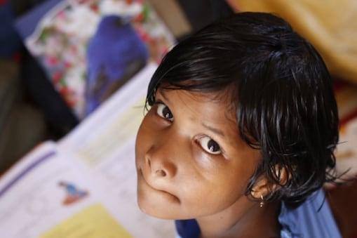 Education news: एनवी के 7 प्रतिशत से कुछ अधिक बच्चों के पास डिजिटल डिवाइस नहीं थे जबकि केवी के छात्रों के लिए यह संख्या 2 प्रतिशत से कम थी.