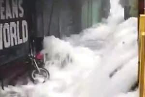 In Pictures : पानी-पानी हुआ उत्तराखंड... मकान, सड़कें, पुल, पटरियां सब तबाह