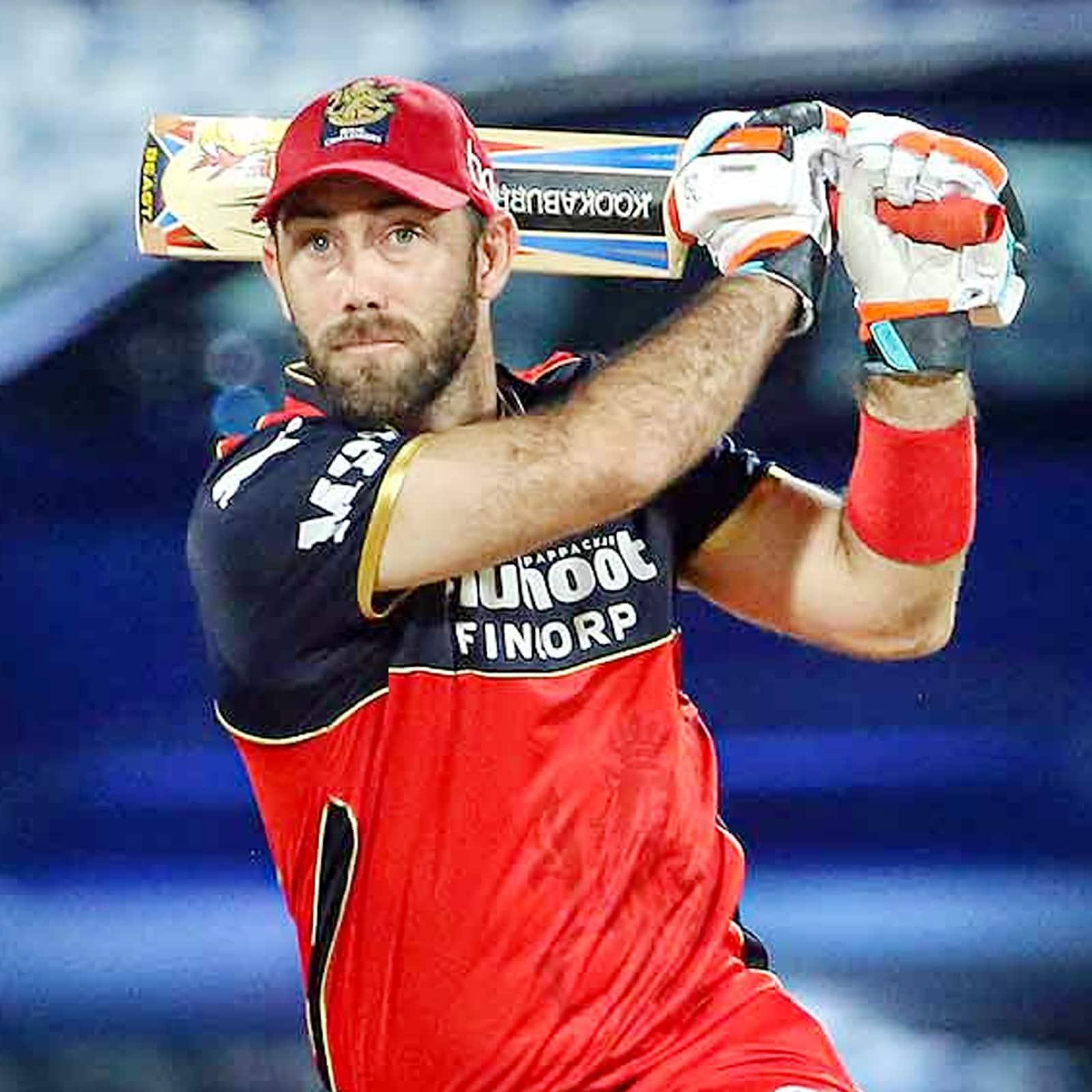 मैक्सवेल ने माइक हेसन की बातों को सच साबित कर दिया. इस बल्लेबाज ने आईपीएल 2021 में 14 मैचों में 45 की औसत से 498 रन बनाए हैं. मैक्सवेल ने इस सीजन में छह अर्धशतक जड़ा है. बता दें कि मैक्सवेल ने आईपीएल डेब्यू साल 2012 में किया था और इस सीजन के पहले तक सिर्फ छह ही अर्धशतक जड़ा था. (PTI)