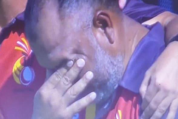 T20 World Cup: आगाज के साथ ही सामने आई सबसे इमोशनल तस्वीर, जानें क्यों रोने लगा सपोर्ट स्टाफ