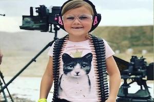 Pictures: दूध के दांत भी नहीं टूटे और बारूदी खेल खेलती है 8 साल की बच्ची, मां-बाप को पसंद है बेटी का  धमाकेदार शौक !