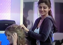 Shilpa's mom defends <i>Big Brother</i>