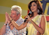 Gere offers apology to 'dear Indians'