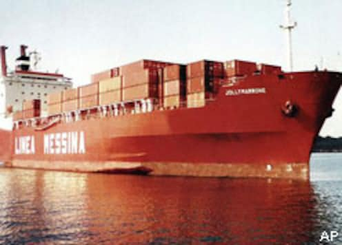 Pirates seize ship with Indian crew