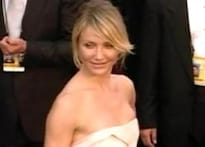 Stars drop their straps, get blinged up for Oscars