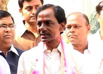 TRS intensifies battle for Telangana; 4 MPs resign