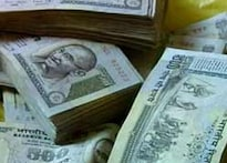 Hyderabad: Cop swallows bribe money to escape charge