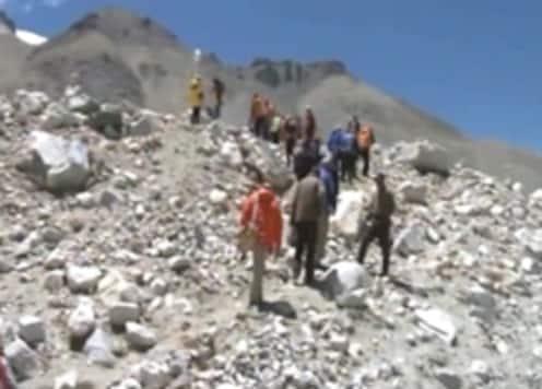 Apa Sherpa sets new climbing record on Everest