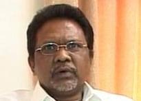 Maharashtra Minister accused of chinkara hunt quits