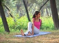 IBNLiving: Yoga for a healthy liver