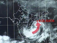 Watch: Life comes to a standstill as Aila hits Bengal