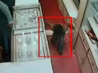 Watch: 4-yr-old thief caught on camera