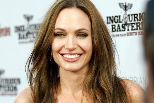 'Angelina Jolie is a control freak'