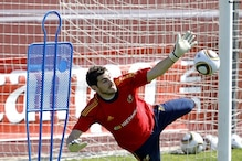 Casillas gives Reina credit for penalty save