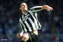Carroll earns point for Newcastle at Wolves