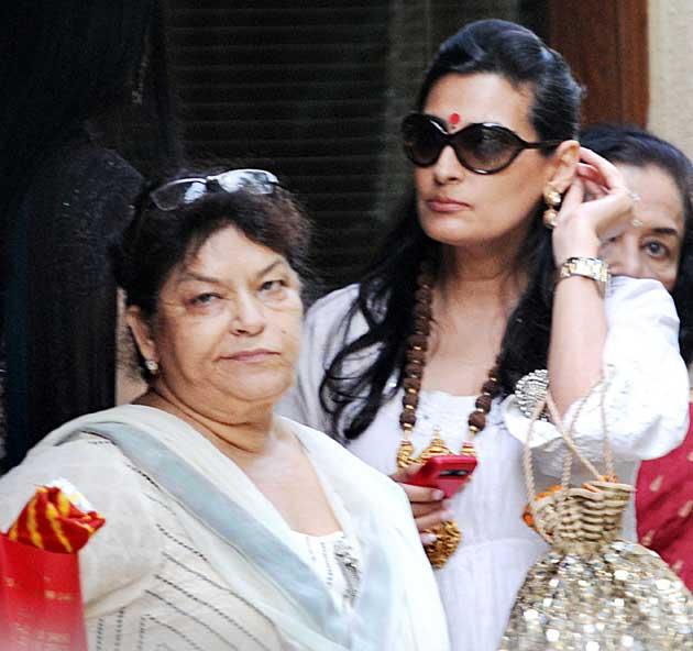 Celebs At Aishwarya Rai Bachchans Baby Shower Photogallery