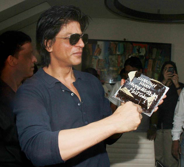 Shah Rukh Khan celebrates birthday in style Photogallery