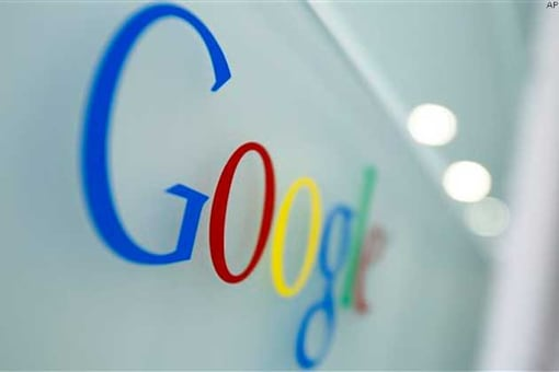 'Google to unveil glasses with in-built comp displays'
