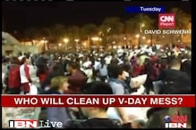 San Fransisco: Who will clean pillow fight mess?