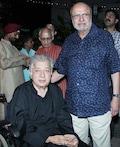 Shashi Kapoor attends memorial concert at Prithvi Theatre