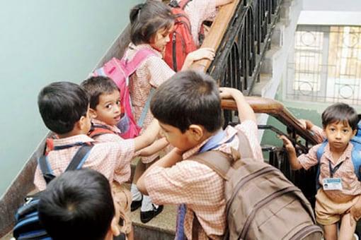 Mumbai: kids forced to climb 100 stairs daily