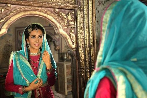 Can't wait for Kareena's wedding: Karisma Kapoor