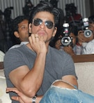 In pics: Shah Rukh is not bored of 'Chammak Challo' yet