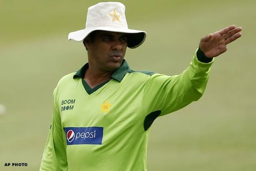 Cricket not played on laptops, Waqar to Lillee