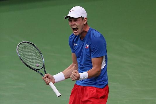 Davis Cup final: Berdych beats Almagro
